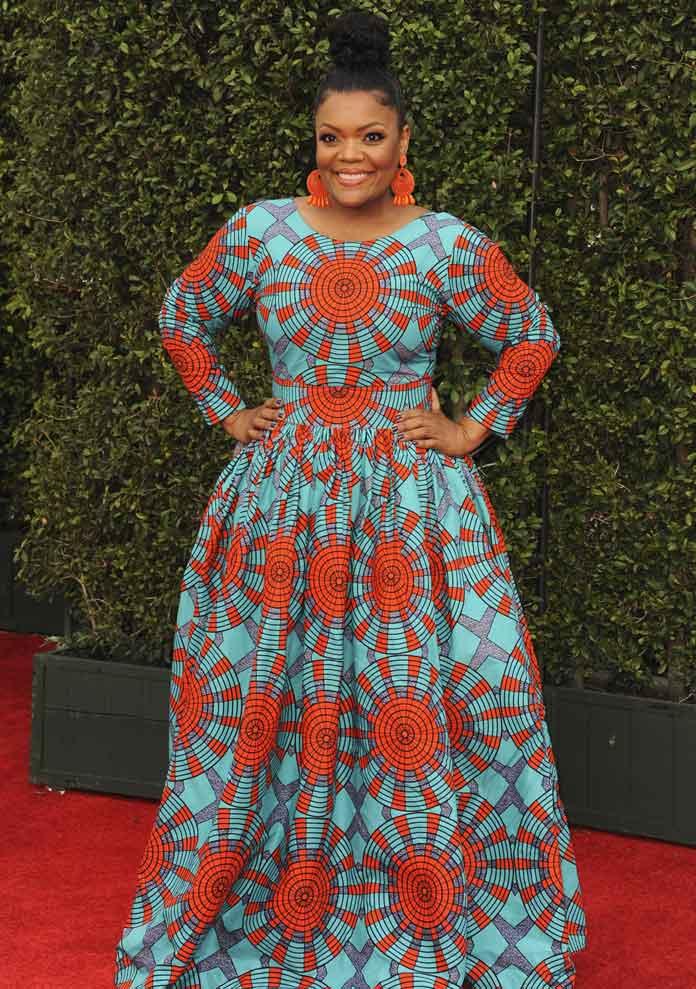 Yvette Nicole Brown Rocks Orange & Teal ÖFUURË Dress At 49th NAACP Image Awards [WINNERS LIST]