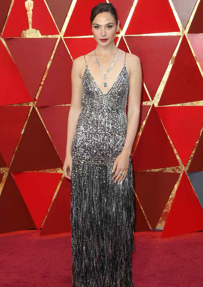 Gal Gadot Sparkles Wearing Givenchy On The 2018 Oscars Red Carpet