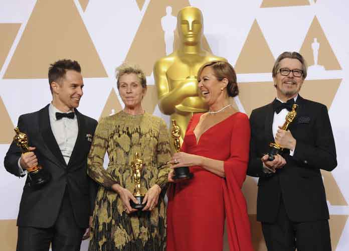 Oscars 2018: Big Winners Take Photo Op [Full Winners List]
