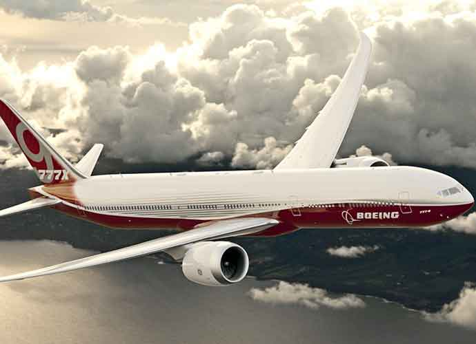 FAA Certifies New Boeing 777X To Have Folding Wings [VIDEO]