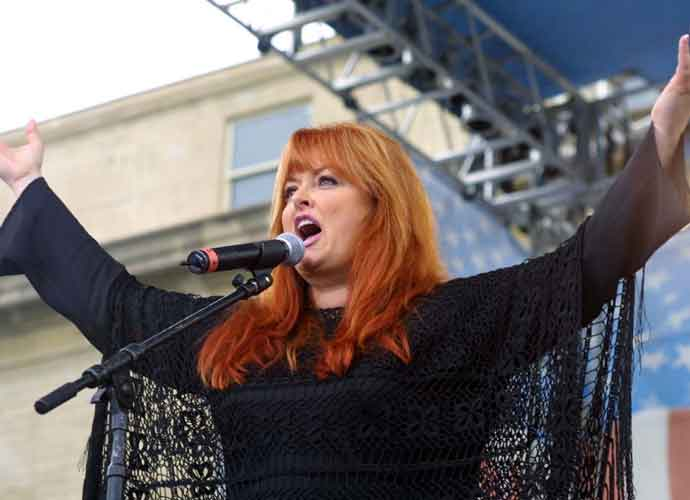 Donald Trump Forgets Wynonna Judd's Name At White House Ceremony On Criminal Justice Reform
