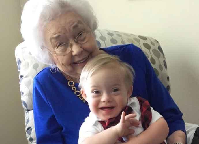Original Gerber Ann Turner Cook Baby Meets Newest Gerber Baby For Heartwarming Photo