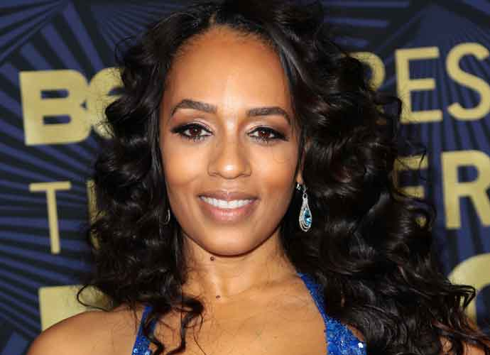 Melyssa Ford Survives Car Accident After Jeep Flips 3 Times, Hospitalized