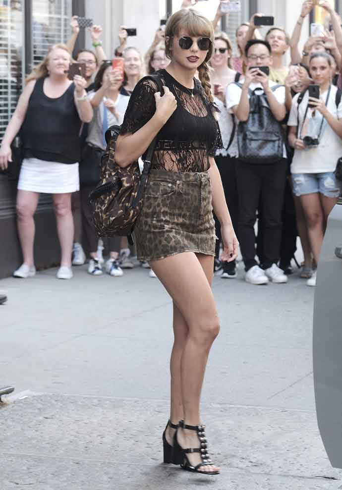 Get The Look For Less: Taylor Swift Leaving Her NYC Apartment