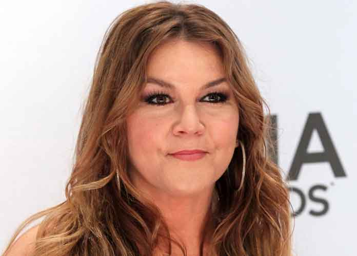 Country Singer Gretchen Wilson Kicked Out Of Hotel For Creating 'Disturbances'