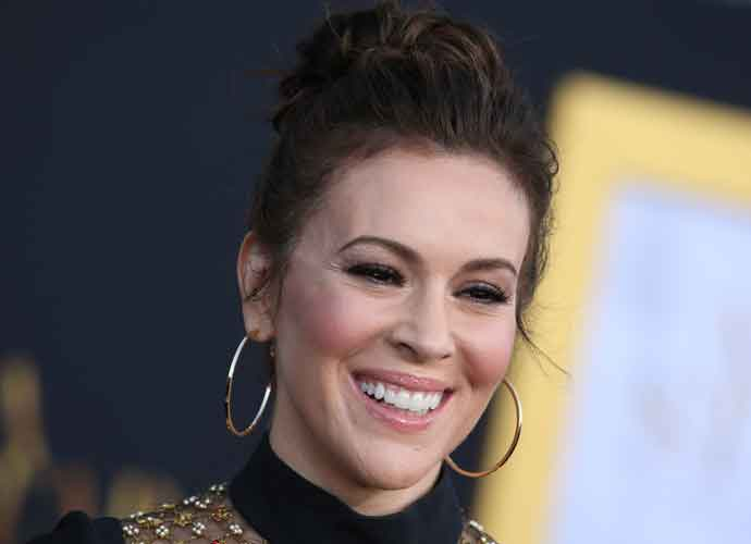 Alyssa Milano Shows Support To Christine Blasey Ford At Brett Kavanaugh Hearing