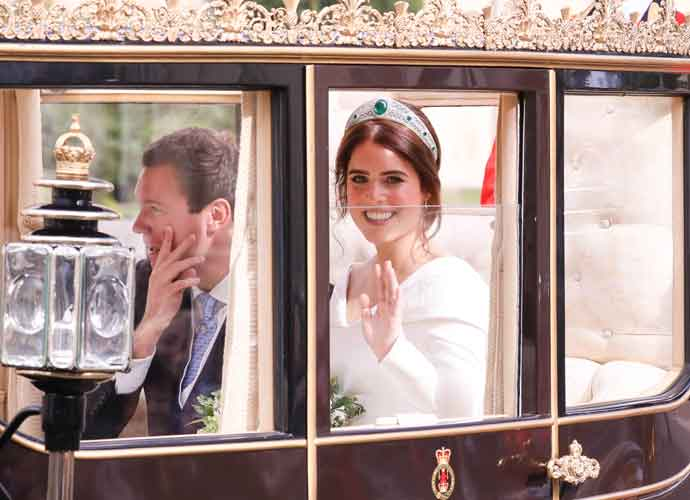Princess Eugenie & Jack Brooksbank End Royal Wedding Ceremony In Scottish State Coach [VIDEO]