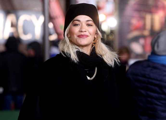 Rita Ora Flubs Lip Sync In Macy's Thanksgiving Day Parade, Fans Rip Singer On Twitter
