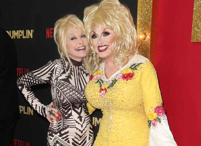 Dolly Parton Meets Her Drag Impersonator Jason Cosmo On  Red Carpet At Premiere Of 'Dumplin'