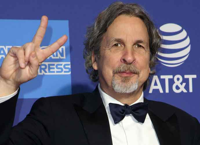 'Green Book' Director Peter Farrelly Apologizes For Penis-Flashing Prank