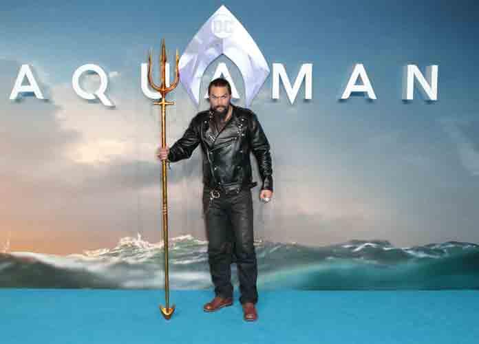 Jason Momoa Brings Trident To London Premiere Of 'Aquaman' [PHOTO]