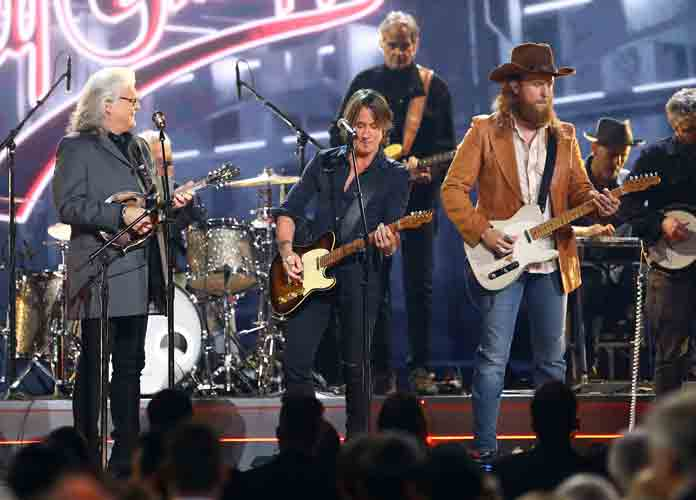 CMA Awards 2018: Keith Urban & Chris Stapleton Win Big [FULL WINNERS LIST]