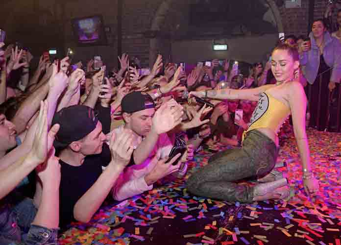 Miley Cyrus & Mark Ronson Make Surprise Appearance, Perform At G-A-Y Club In London [PHOTO]