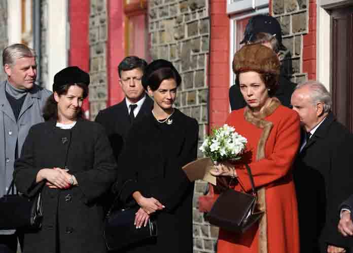 Olivia Colman Films Scenes As Queen Elizabeth For Season 3 Of Netflix's 'The Crown' [PHOTOS]