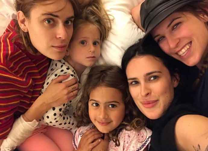 Who Are Bruce Willis's Five Daughters? Willis Ladies Pose For Rare Group Photo