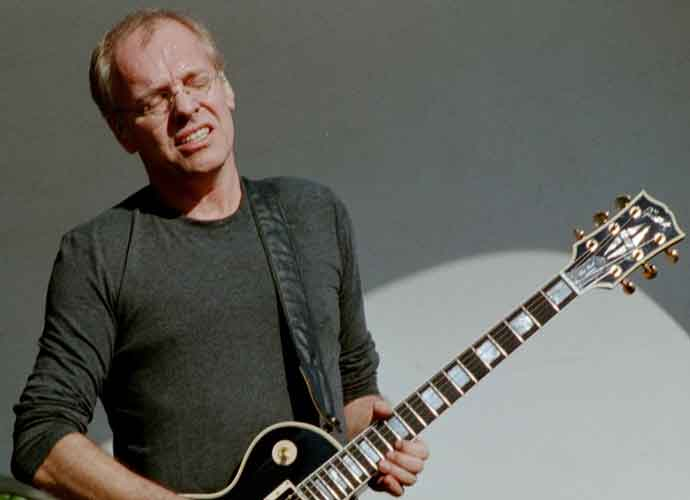 Peter Frampton Announces He Has Degenerative Muscle Disease –And Farewell Tour [TICKET INFO]