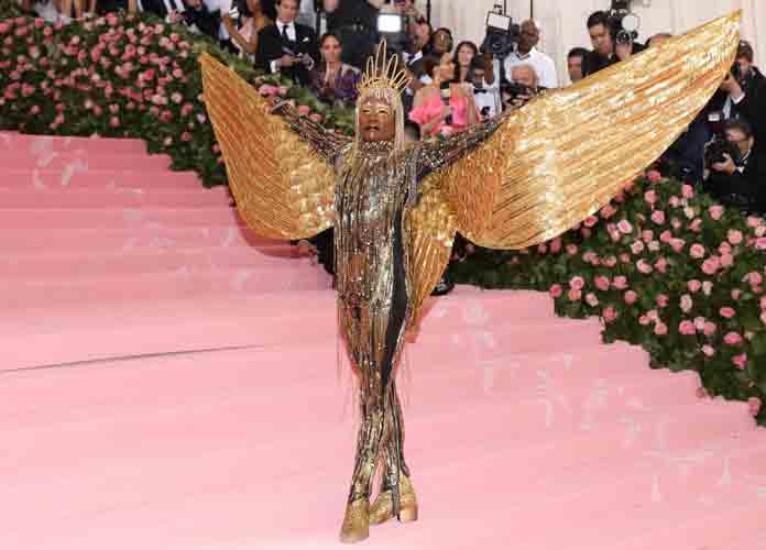 Billy Porter Makes Iconic Entrance As 'Sun God' To The 2019 Met Gala