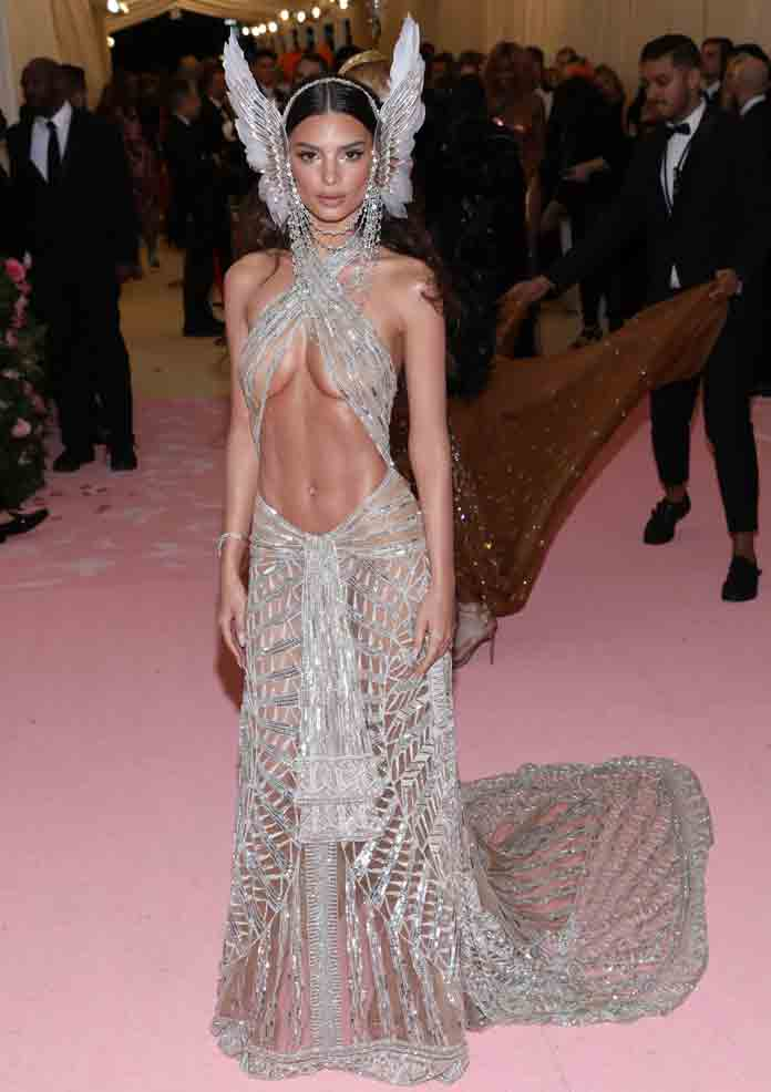 Emily Ratajkowski Channeled Her Inner Cher For Her 2019 Met Gala Look