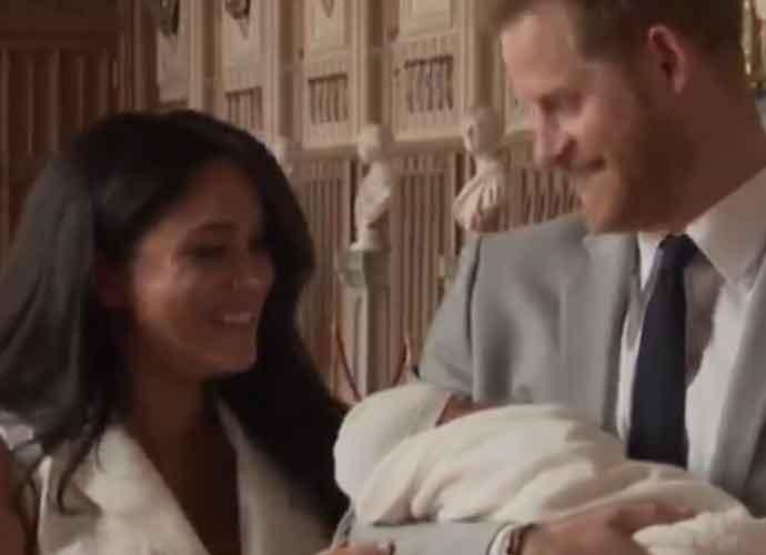 Prince Harry & Meghan Markle Introduce Newborn Baby To The World [PHOTOS]