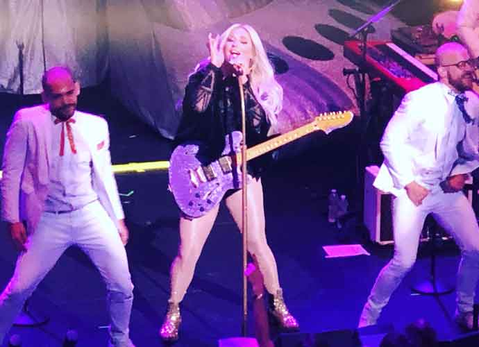 Kesha Concert Tour Tickets On Sale Now! [Dates, Deals & Ticket Info]