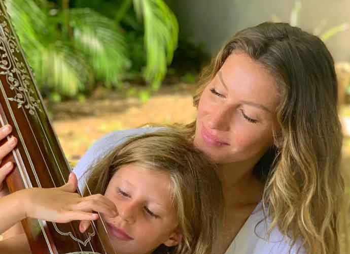 Tom Brady & Gisele Bündchen Take A Family Vacation In Costa Rica