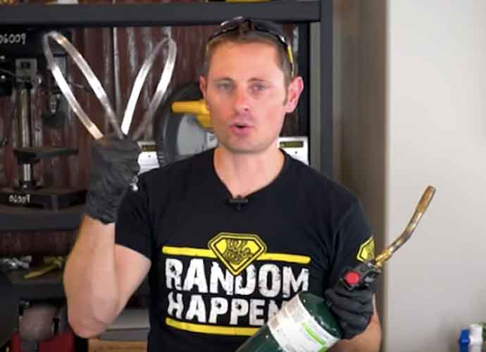 YouTuber Grant Thompson, Known As 'The King of Random,' Dies At 38 In Paragliding Accident