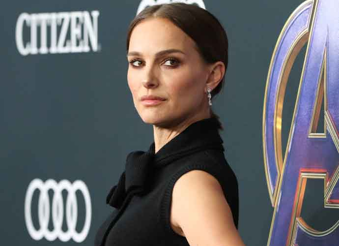 Natalie Portman To Play Female Thor In New Movie 'Thor: Love And Thunder'