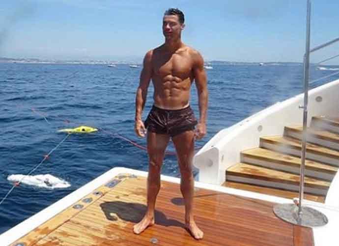 Cristiano Ronaldo Goes Shirtless On French Riviera With Girlfriend Georgina Rodríguez