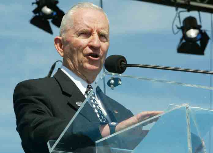 Ross Perot, Texas Billionaire & Ex-Presidential Candidate, Dies At 89 After Leukemia Battle