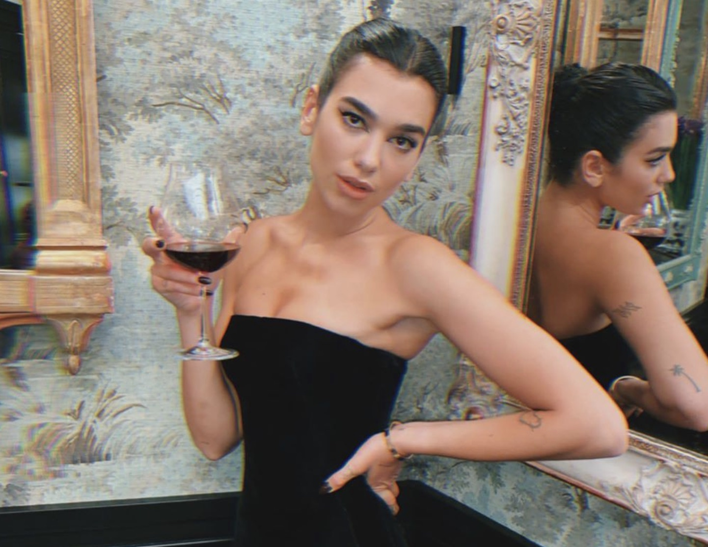Dua Lipa Goes Glam On Vacation In Florence