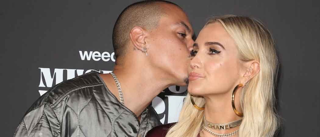 Evan Ross Gives Ashlee Simpson A Cheeky Kiss At Weedmaps Museum Of Weed Preview Celebration