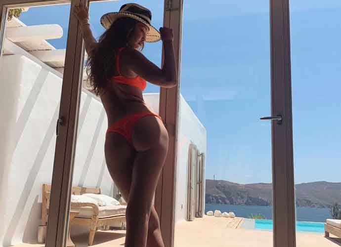 Gigi Hadid Shows Off Orange Bikini In Greece