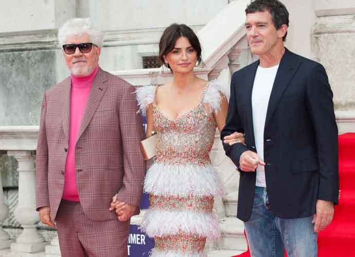 Pedro Almodóvar, Penelope Cruz & Antonio Banderas Get Close At U.K. Premiere Of 'Pain and Glory'