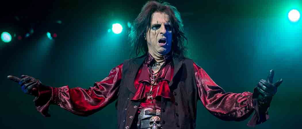 Alice Cooper Performs At The O2 Arena In London [Tour Dates & Ticket Info]