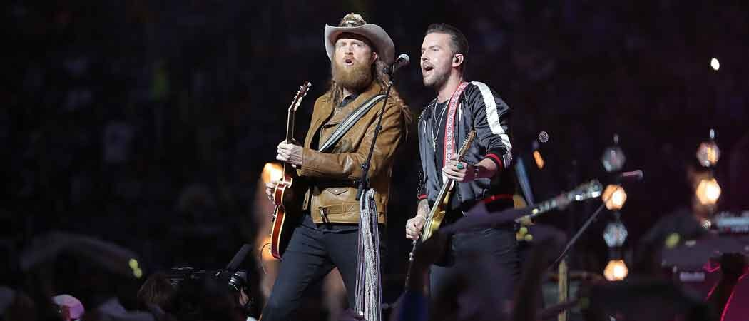 Power Goes Out At Ford Field During Brothers Osborne Half-Time Show For Bears-Lions Game