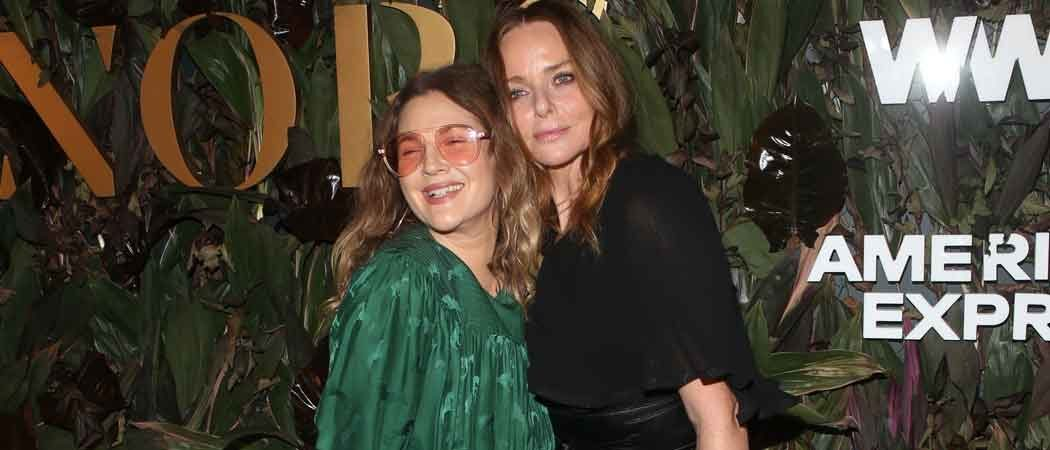 Drew Barrymore & Stella McCartney Snuggle Up At 'WWD' Honors