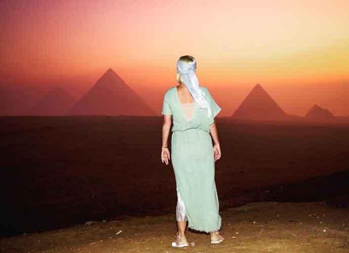 Katy Perry Celebrates 35 Birthday At Pyramids In Egypt