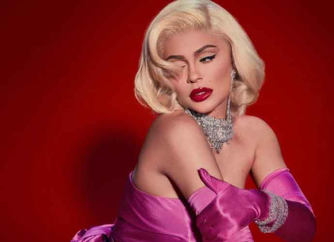 Kylie Jenner Transforms Into Marilyn Monroe For Halloween