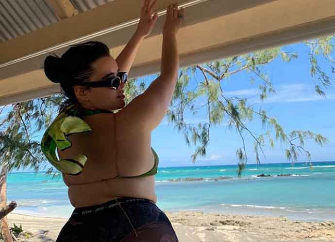 'Euphoria' Star Barbie Ferreira Relaxes In Fiji With Girlfriend Elle Puckett