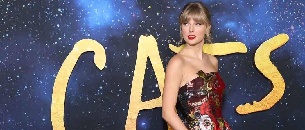 Taylor Swift & Boyfriend Joe Alwyn Hold Hands After 'Cats' Premiere