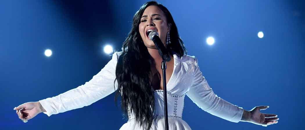 "WATCH: Demi Lovato Breaks Down & Has To Restart Performance Of ""Anyone"" At Grammys [Video]"