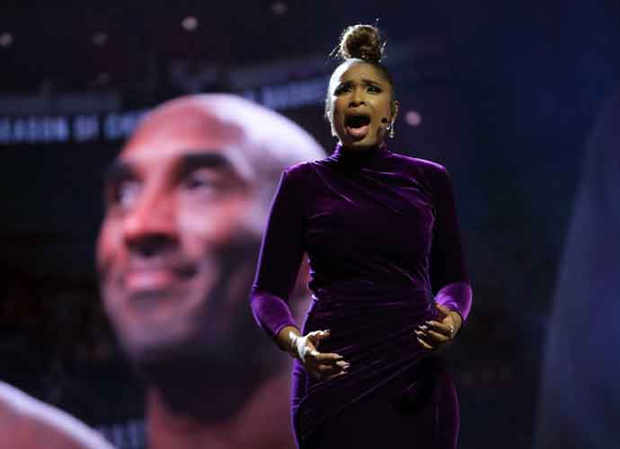 "Watch: Jennifer Hudson Pays Tribute To Kobe Bryant With ""For All We Know"" At NBA All Star Game"