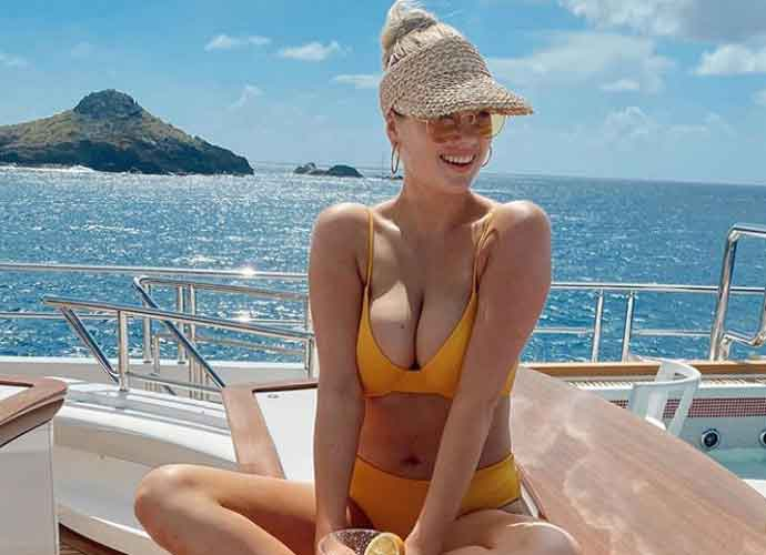 Kate Upton Shares Bikini Photos Of Her Yacht Holiday, Breastfeeding Daughter Genevieve