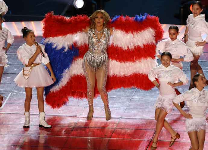 Jennifer Lopez Embraces Puerto Rican Flag With Daughter Emme Lopez During Super Bowl Halftime Show