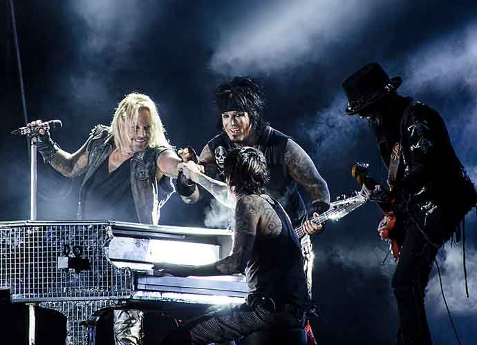 Mötley Crüe Announces Rescheduled 2021 Concert Dates With Joan Jett, Def Leppard & Poison