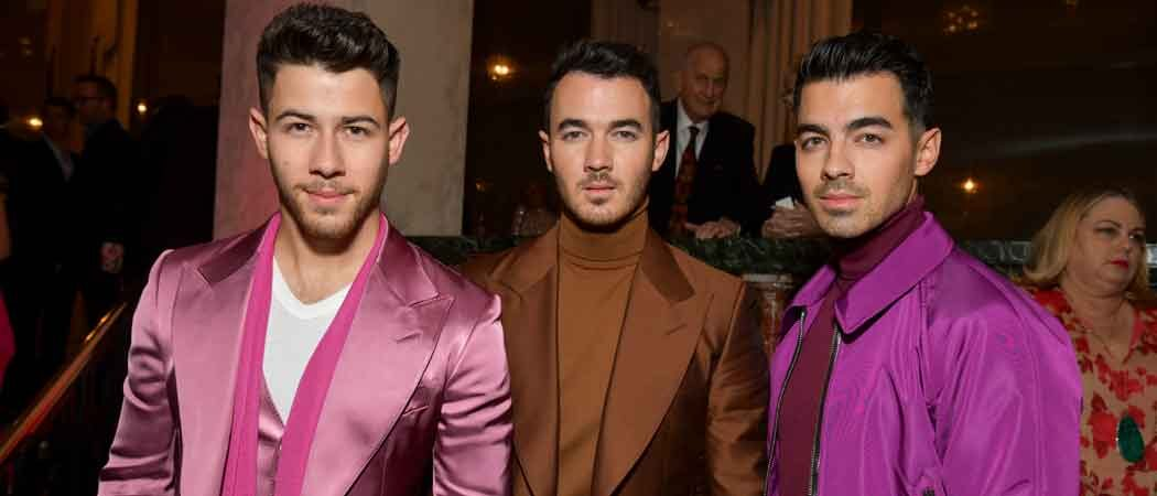 Jonas Brothers Color Coordinate For Women's Cancer Research Fund Gala!