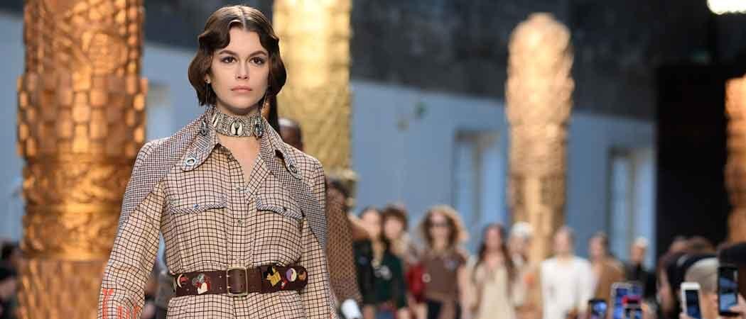 Kaia Gerber Walks The Runway For Chloe At Paris Fashion Week