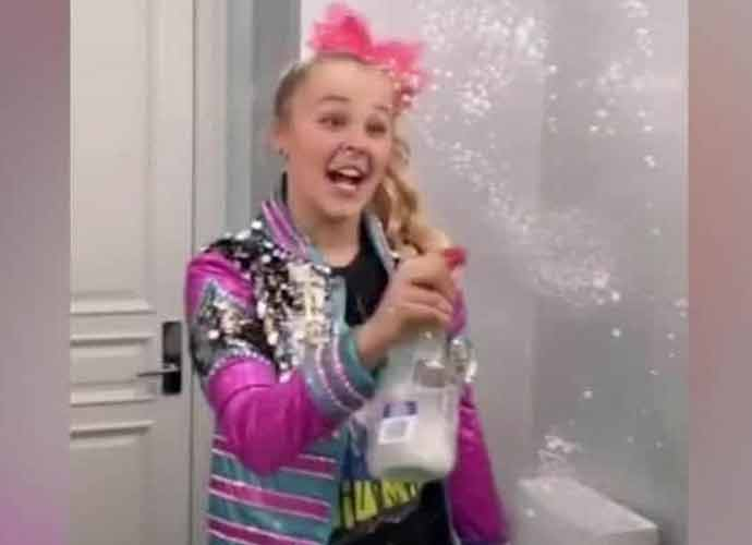 Jojo Siwa Shows Off Natural Hair In TikTok Video