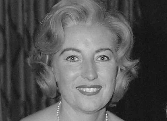 """Vera Lynn, """"We'll Meet Again""""Singer, Dies At 103"""