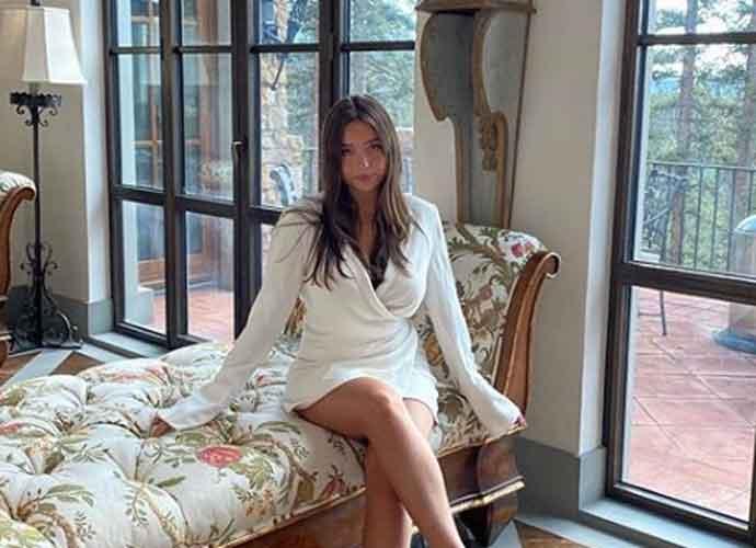Lola Consuelos, Mark Consuelos & Kelly Ripa's Daughter, Shows Off Figure In White Bikini